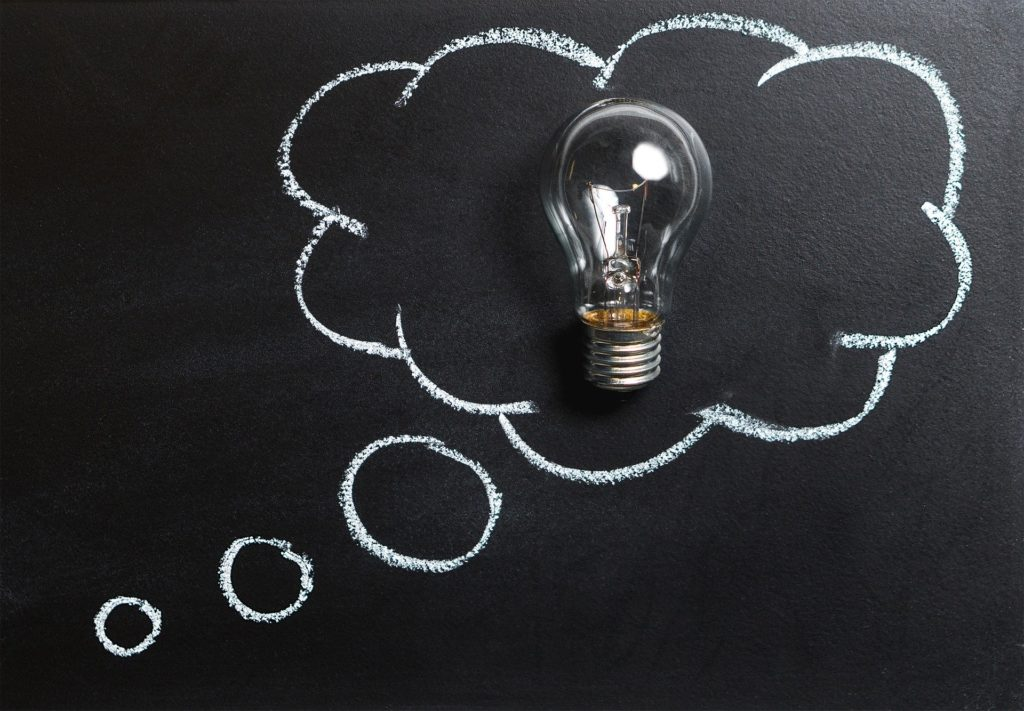 名案、提案、電球の画像